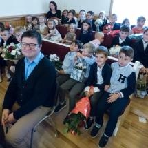 Deschiderea anului școlar (prof. Leonaș Ovidiu și copiii de la grădiniță)